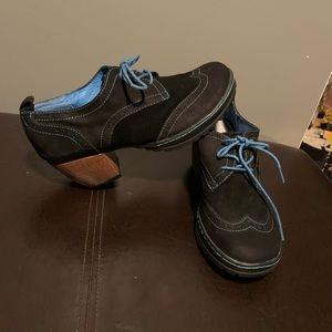 Jambu suede brogues w/block heel (never worn) S8